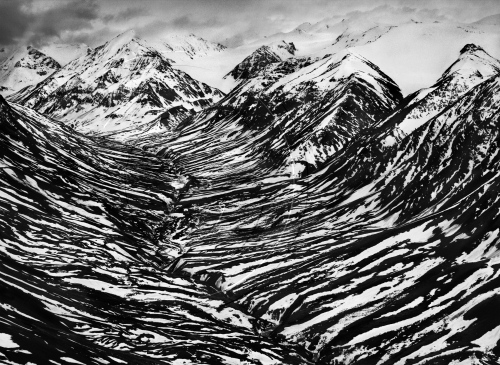 bighorn-creek-in-the-western-part-of-the-kluane-national-park-canada-2011-copy-sebastiao-salgado-amazonas-images-contact
