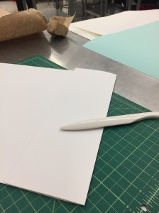 We folded the paper in order to know where to cut