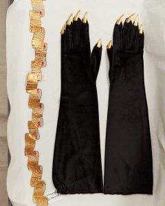 A lambskin belt and suede gloves with gold metal talons - around 1936